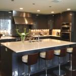 mutfaklarda renkli buzdolaplar