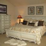 romantik krem rengi yatak odası