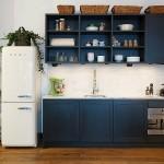 Klasik mutfak tasarımı lacivert renk mobilyalar