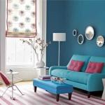 mavi oturma odası pembe uyumu retro